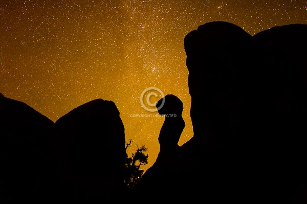 arches national park, autumn, deserts, devils garden, digital, horizontal, moab, national parks, night, rock formaions, stars, utah