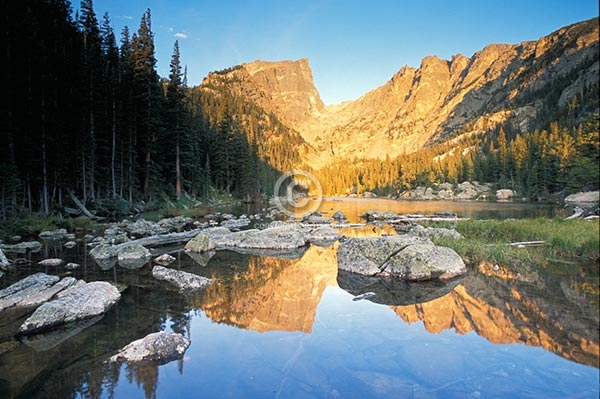 colorado, horizontal, lakes, ponds, mountains, peaks, rocks, reflections, trees, forests, dream lake, sunrise, rocky mountain national park, front range, hallett peak, summer